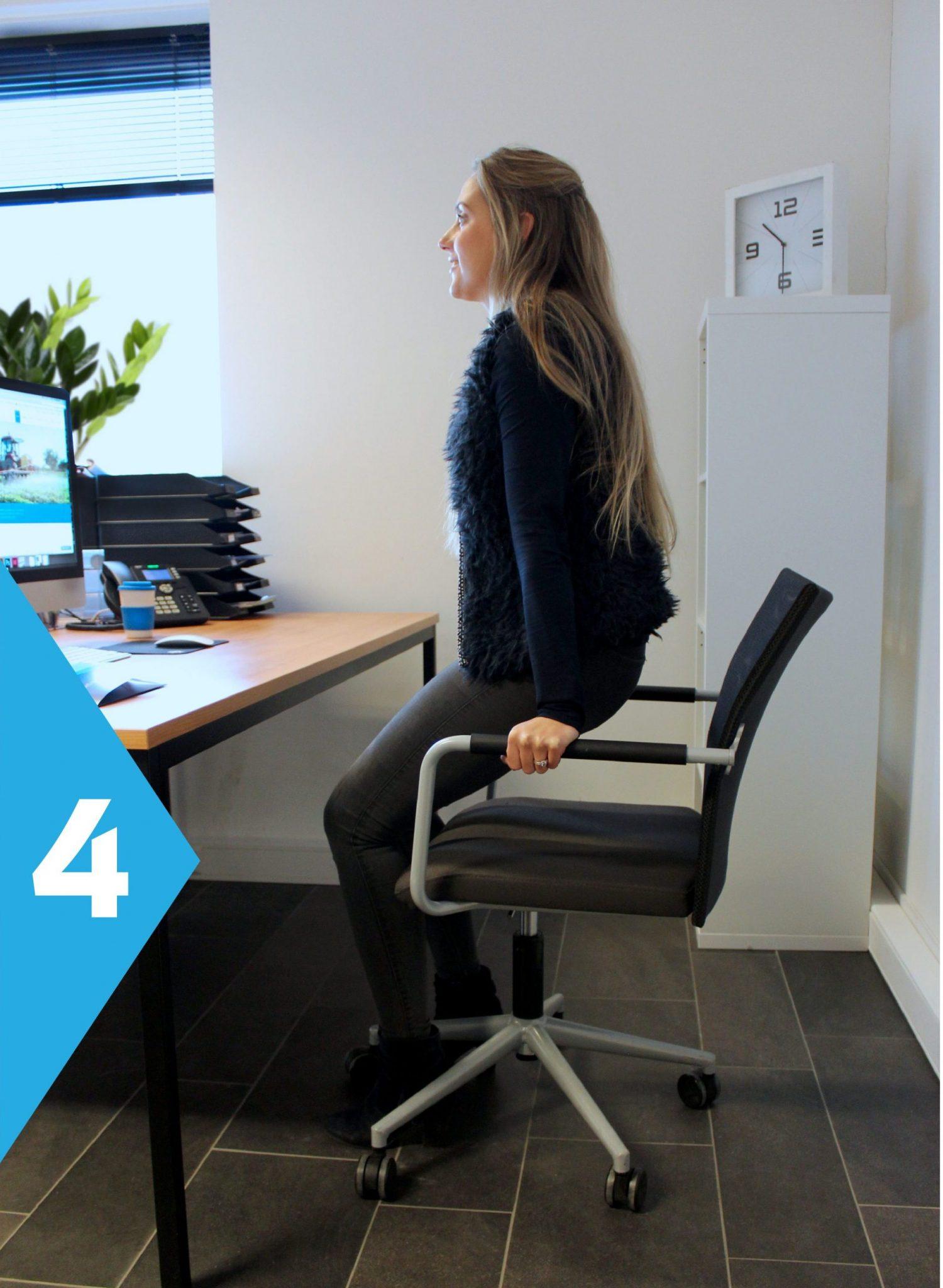 yoga achter je bureau pushup op stoel